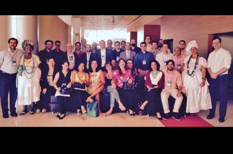 imagem de um grupo de pessoas que participaram do mei