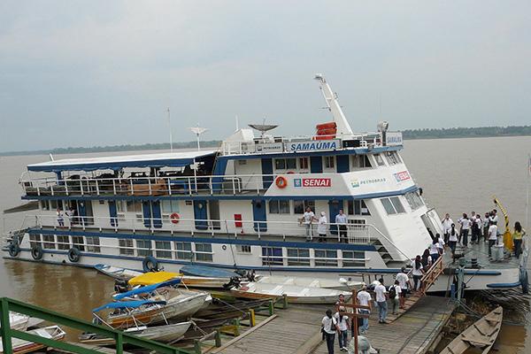 Unidade-móvel-barco-escola-Samaúma-4.jpg