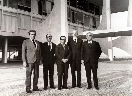 Visita dos finalistas do prêmio Operário Padrão, em 1976, ao Presidente Ernesto Geisel, em Brasília