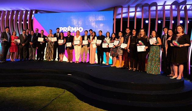 Banner-home-vencedores-prmio-estgio-iel-2016-630x365.jpg