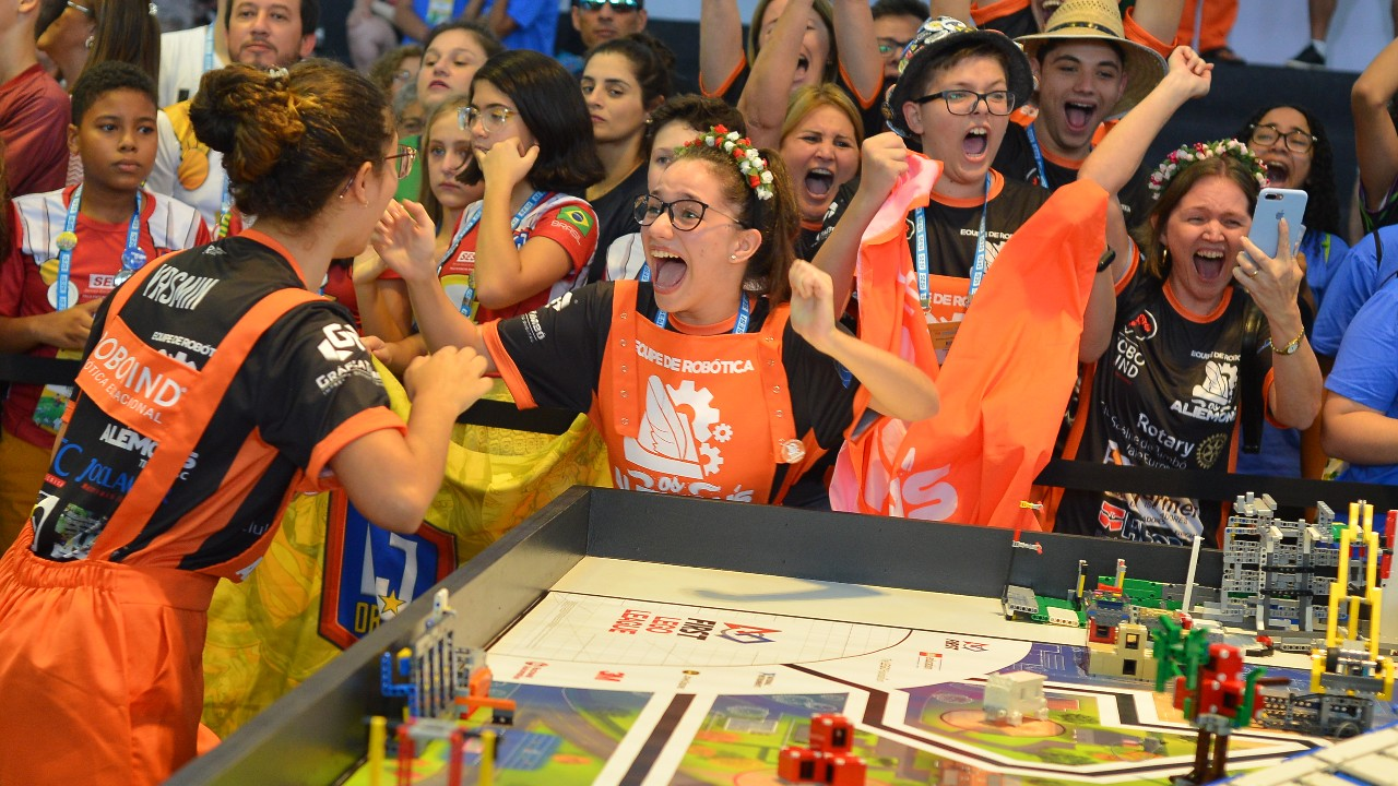 SESI celebra 10 anos de torneios de robótica no Brasil
