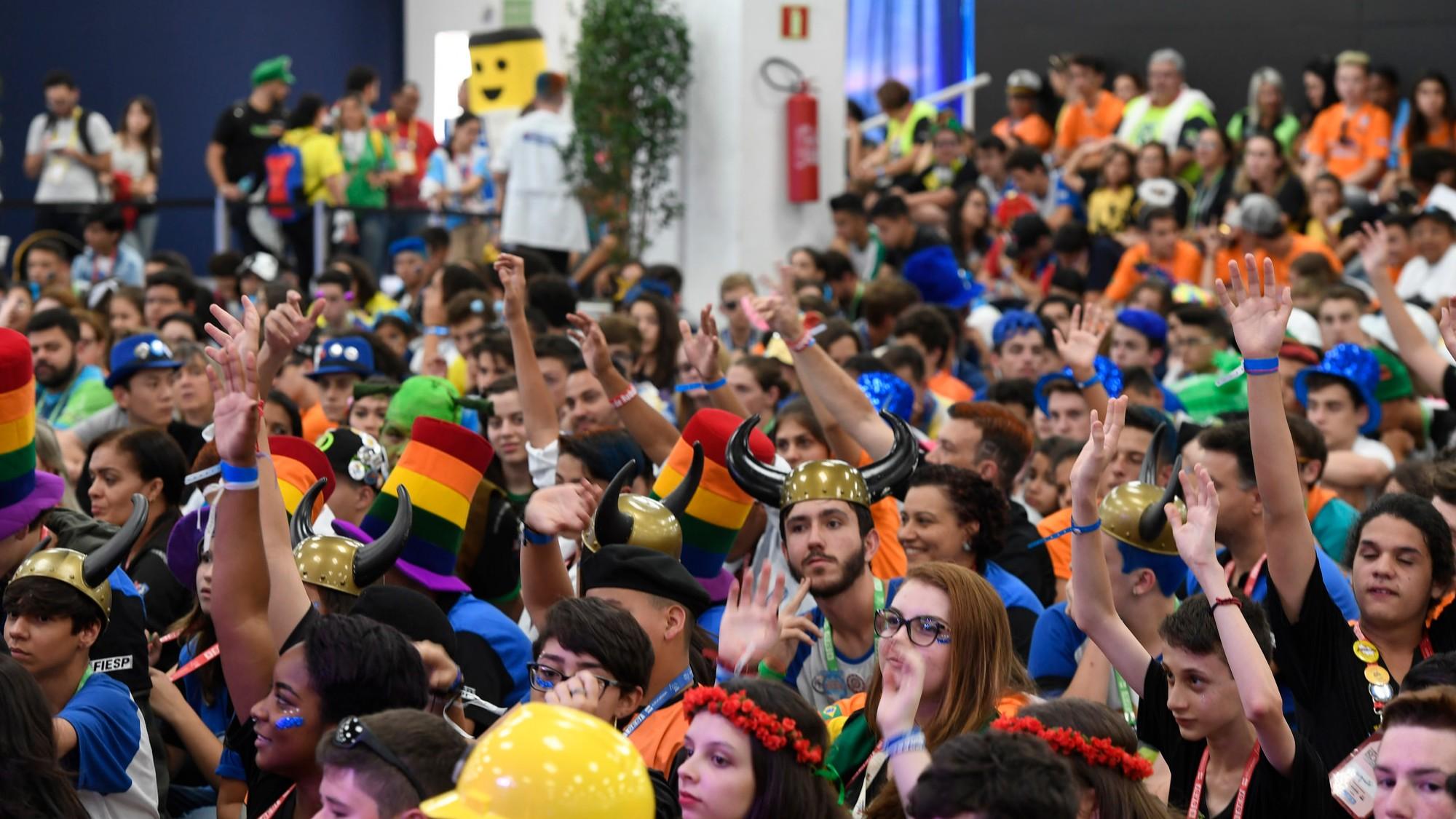 Robôs de Lego entram em ação no maior torneio de robótica do Brasil