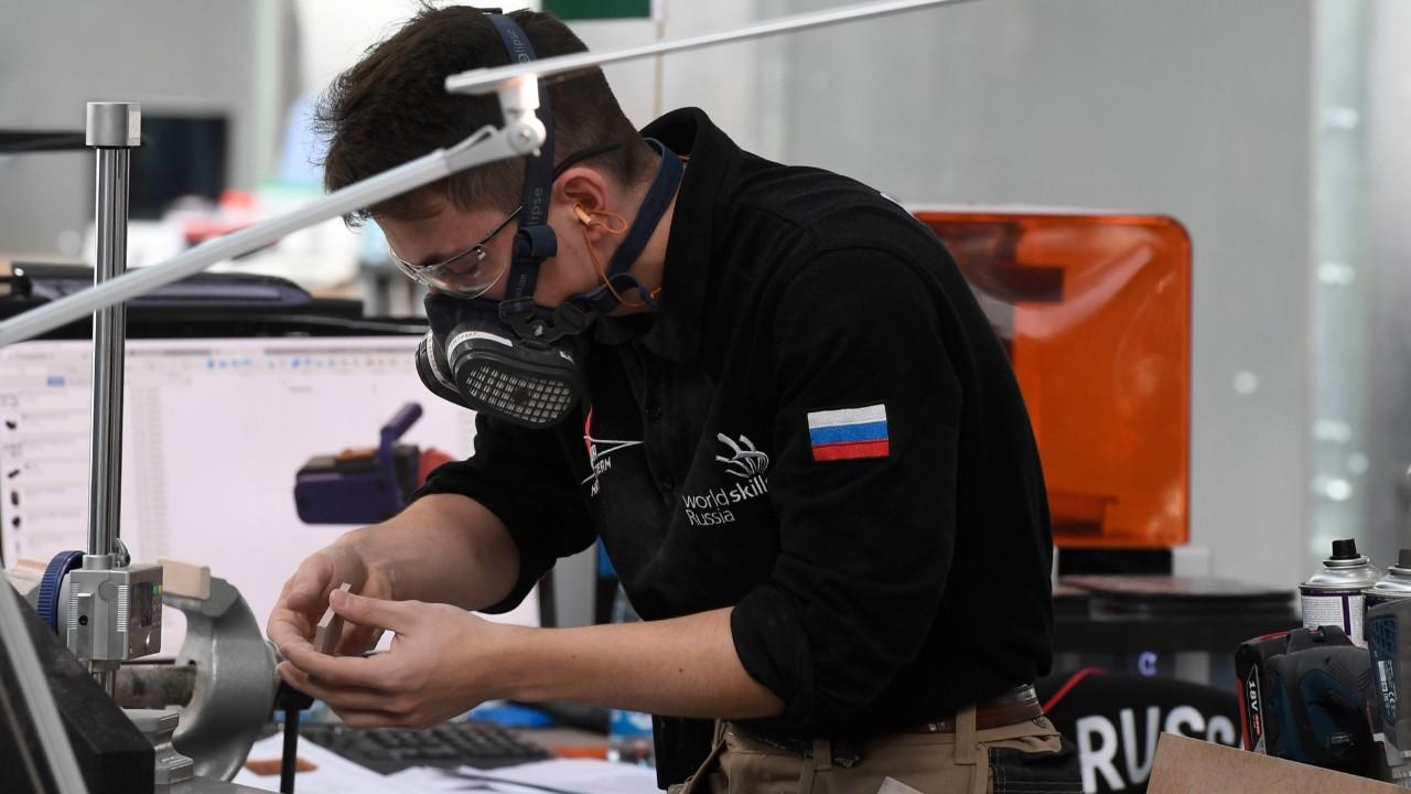 Rússia é uma das favoritas no mundial de profissões, após ser treinada pelo SENAI