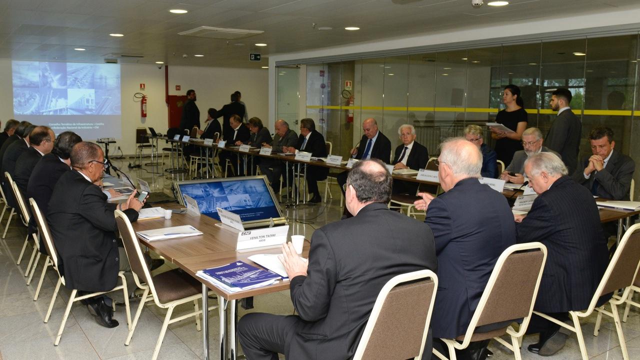 COINFRA reúne entidades para discutir agenda do setor elétrico
