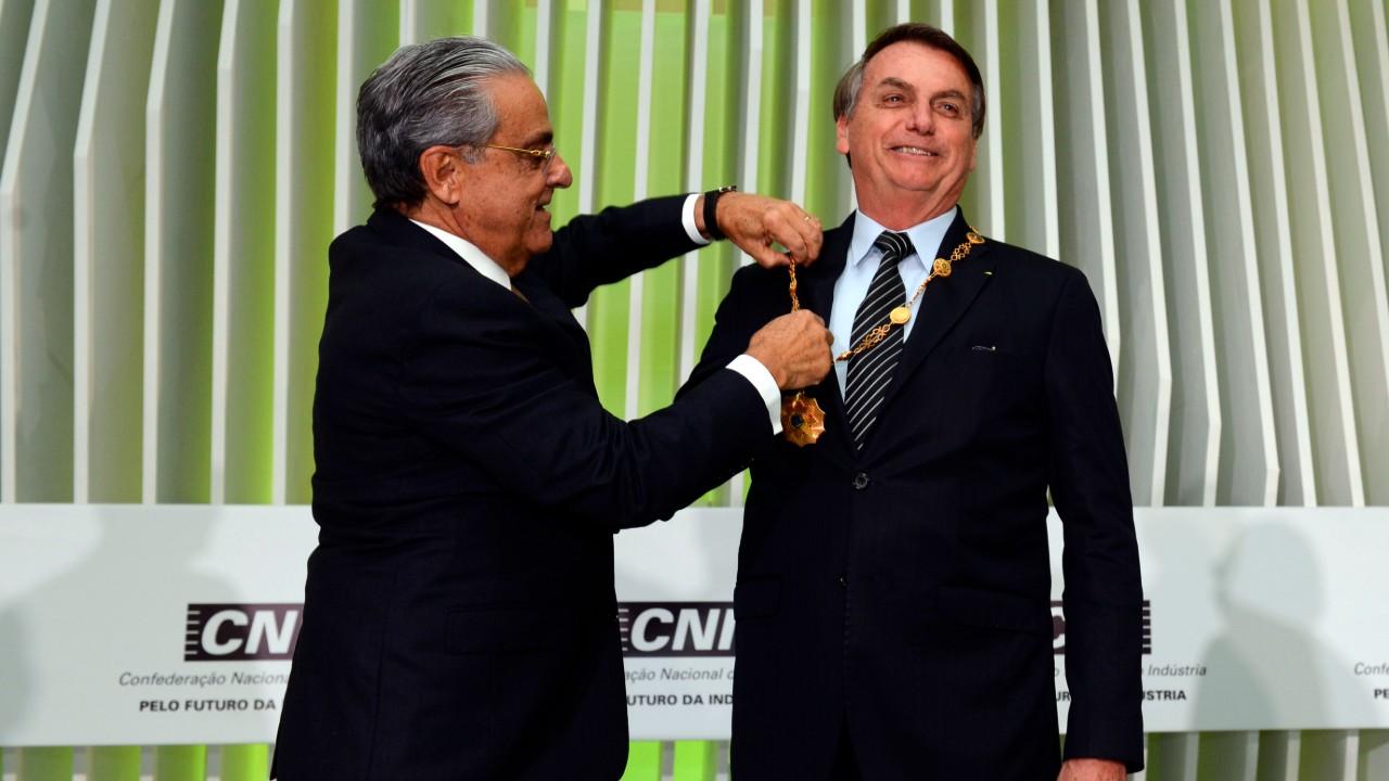 Vamos juntos trabalhar o futuro do país, diz Bolsonaro a empresários