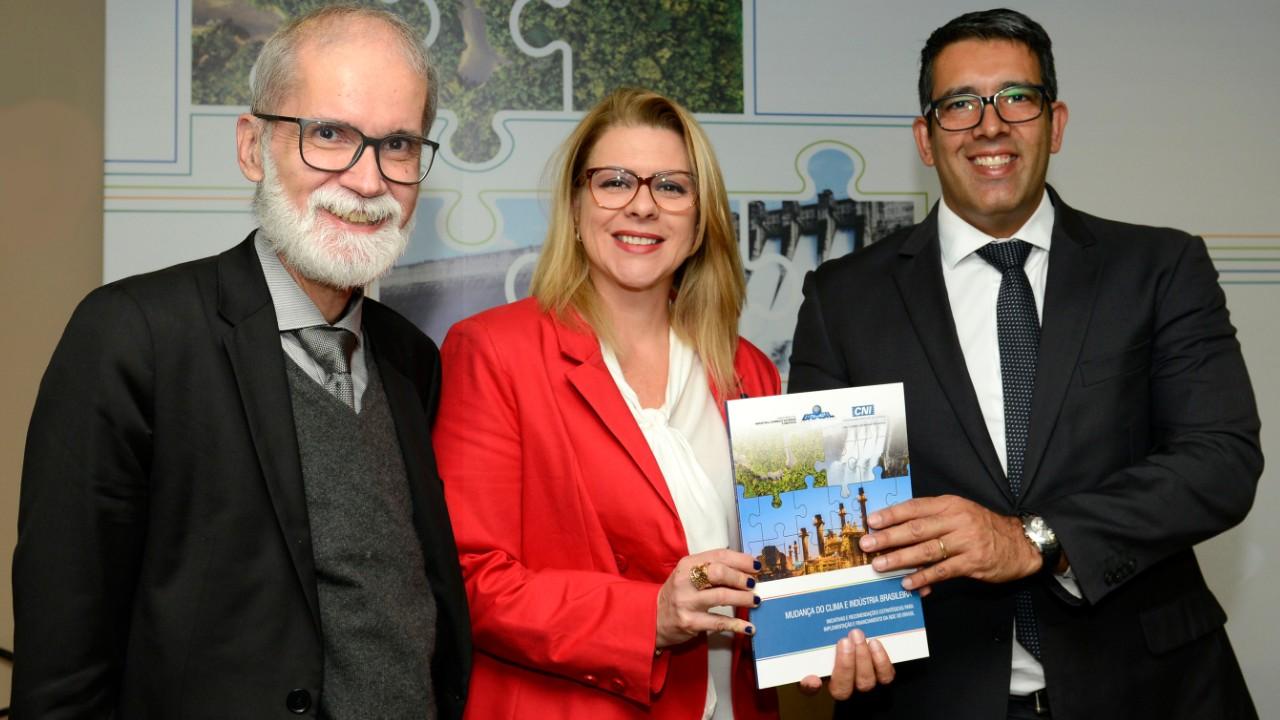 CNI entrega a governo propostas para implementação da Agenda Climática