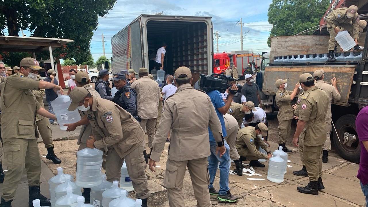 No Mato Grosso, indústrias doam 200 mil litros de álcool 70%