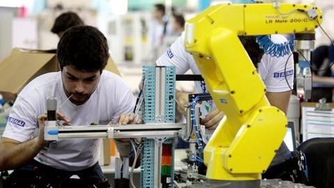 SENAI implanta modelo alemão de ensino técnico e vai certificar brasileiros para trabalhar no país europeu