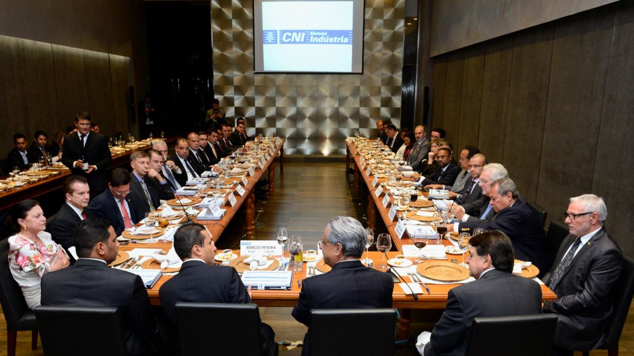 Investimentos em inovação e qualificação são chave para levar Brasil para o futuro, diz Robson Braga de Andrade
