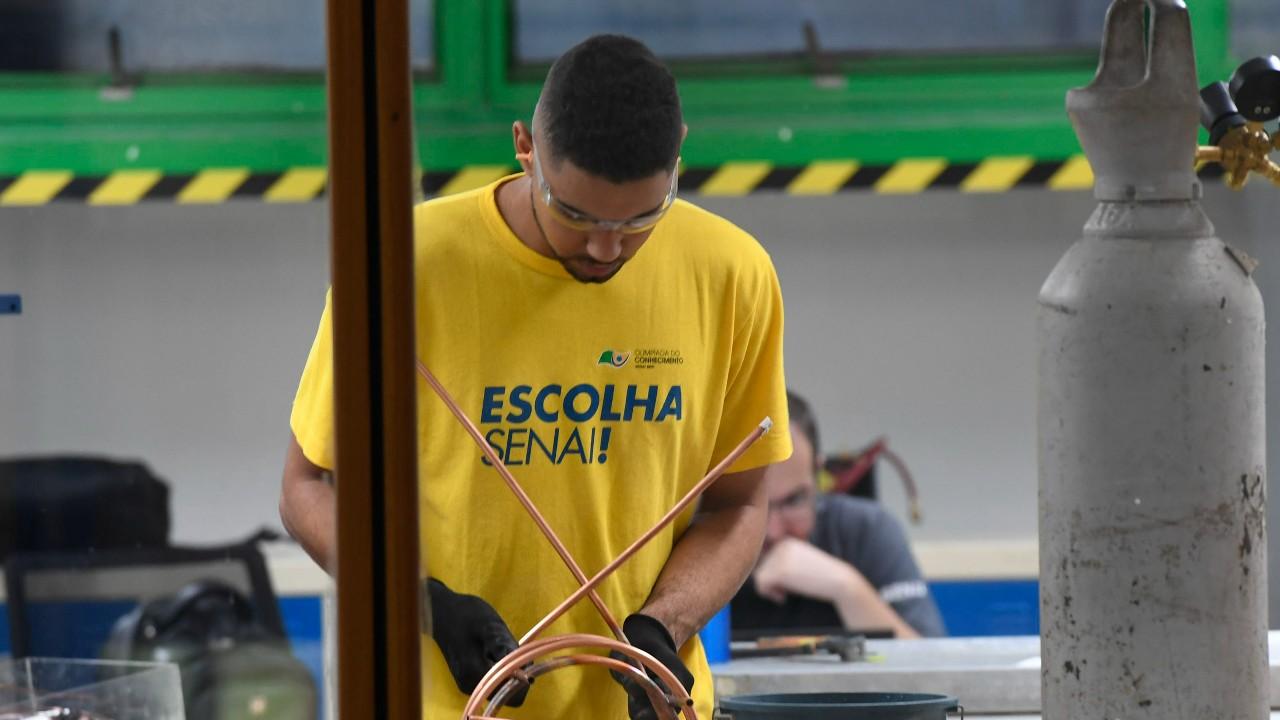 Sete em cada dez alunos de cursos técnicos do SENAI estão empregados