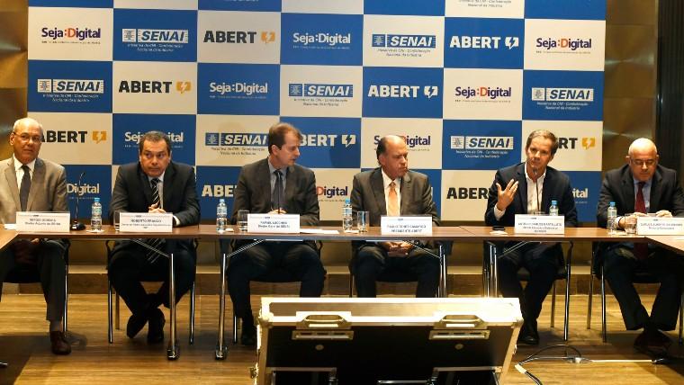 SENAI, Abert e Seja Digital firmam parceria para formar multiplicadores que ajudam no acesso à TV digital