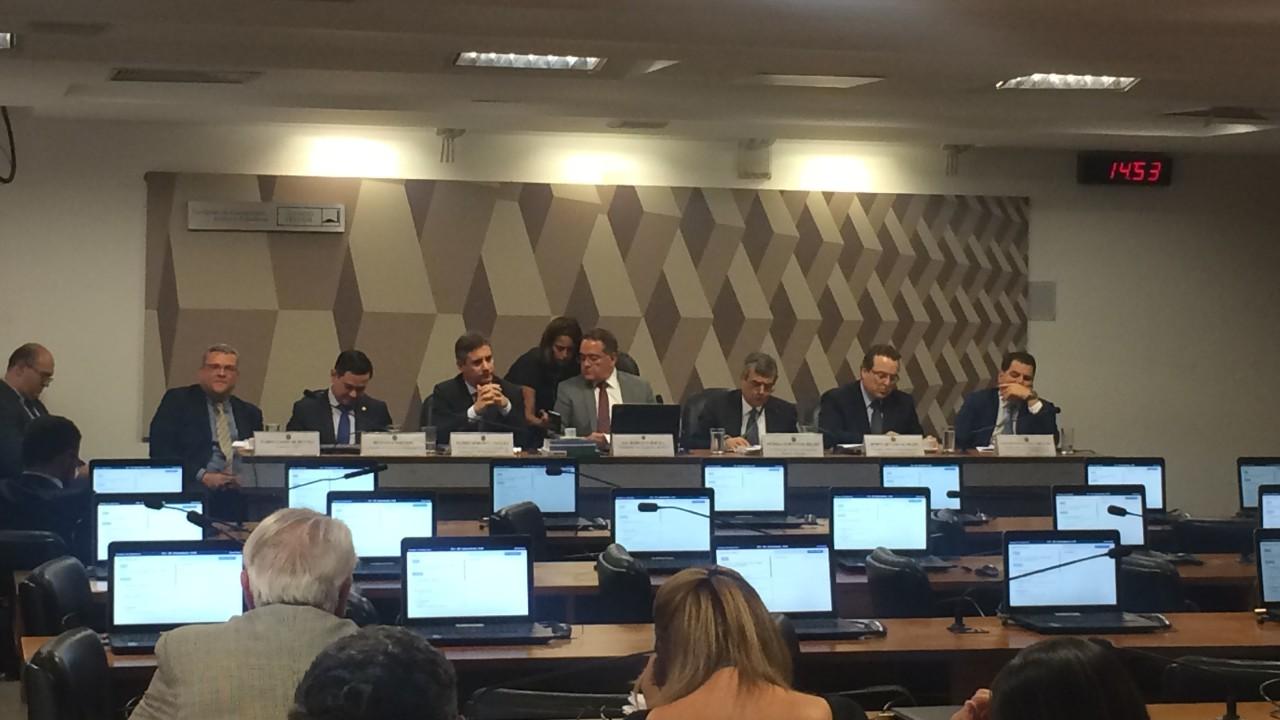 Em audiência, CNI defende reforma tributária que torne a indústria mais competitiva