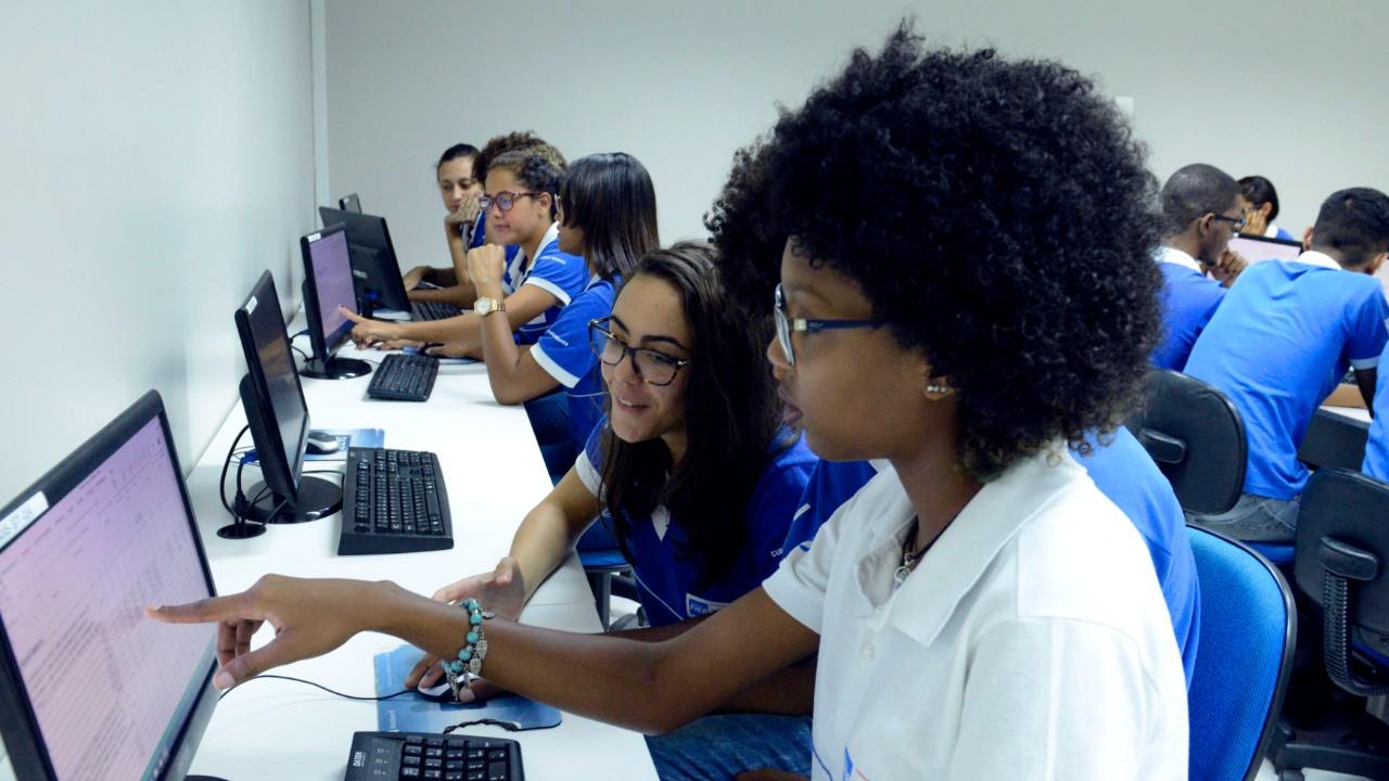 Seminário internacional debate educação para jovens do século 21