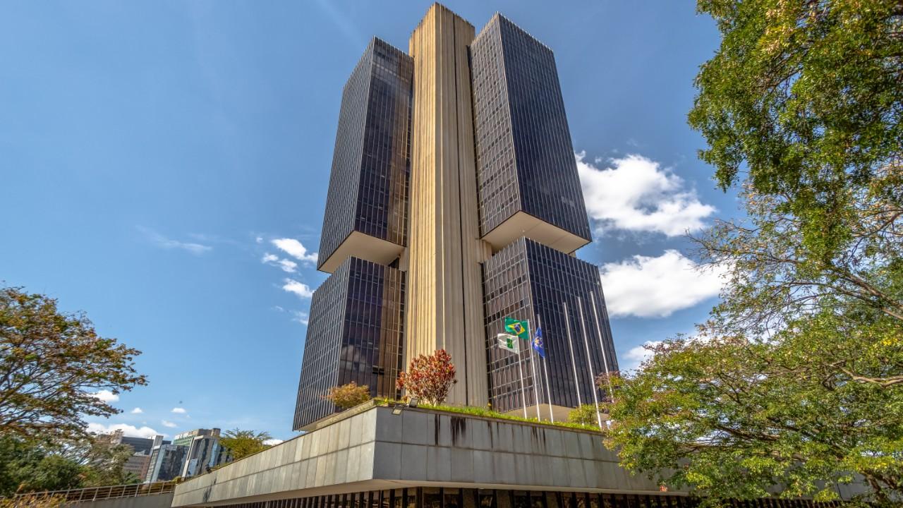 Queda dos juros é crucial para estimular o crescimento e a criação de empregos, afirma presidente da CNI em exercício, Paulo Afonso Ferreira