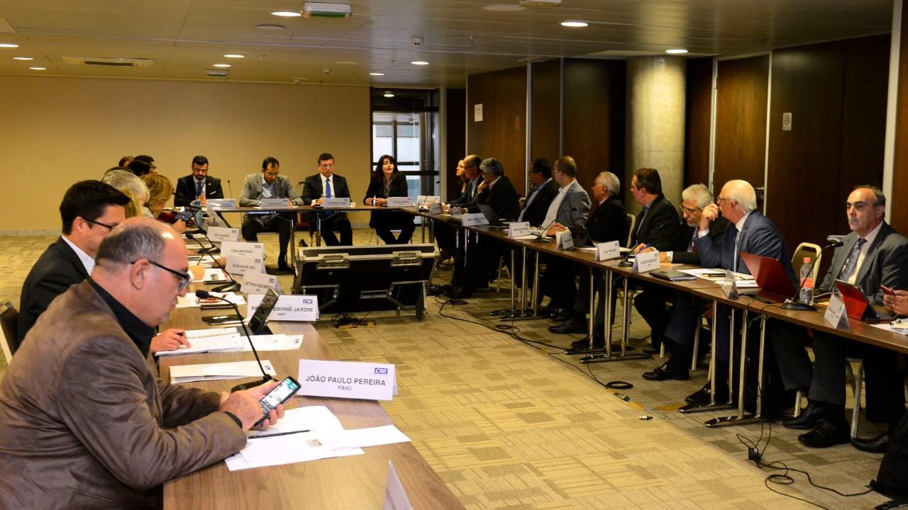 CNI discute projetos prioritários para as MPEs que tramitam no Congresso Nacional