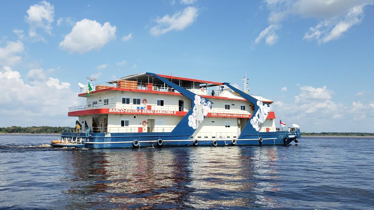 Barco-escola do SENAI oferece cursos gratuitos de educação profissional no Amapá