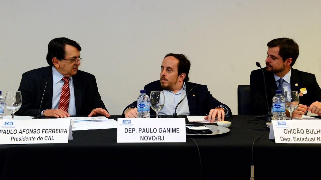 Conselho de Assuntos Legislativos da CNI defende não tributação da exportação de serviços