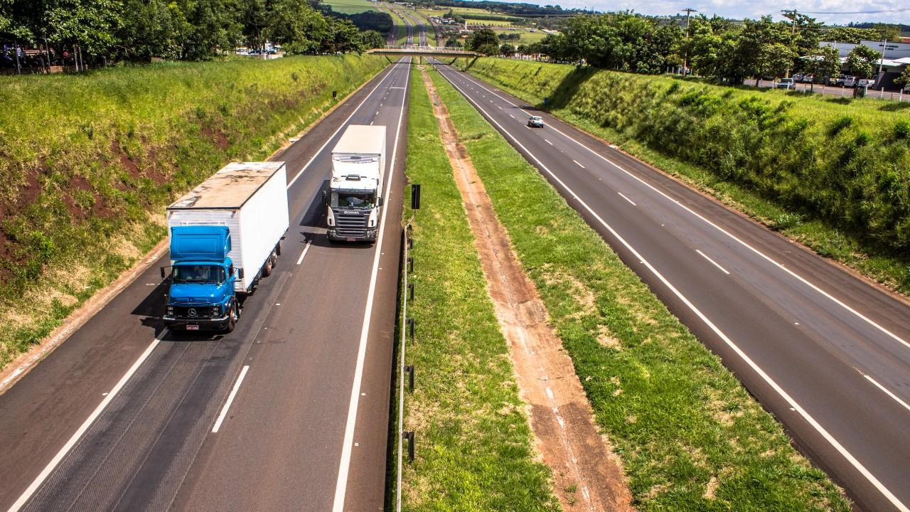 Mais de 90% das empresas usam rodovias para transportar mercadorias para exportação