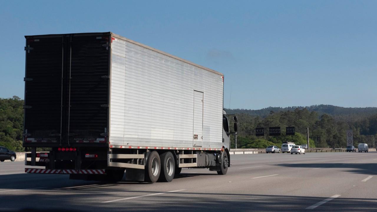 VÍDEO: Minuto da Indústria mostra que o tabelamento do frete aumentou em 100% o custo do tranporte
