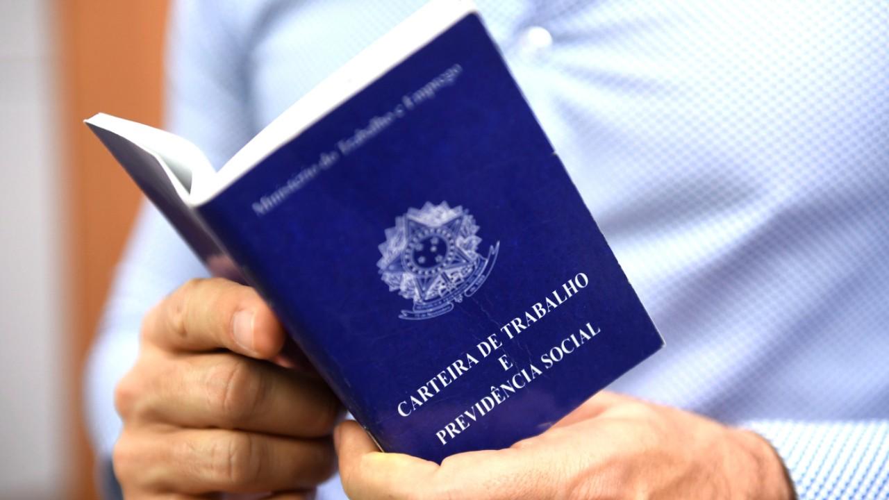 Nova legislação trabalhista respeita Constituição e tratados internacionais, afirmam juristas