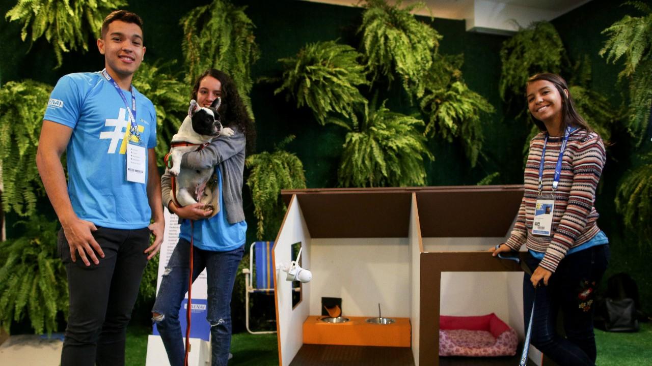 VÍDEO: Estudantes do SESI Sobradinho, em Brasília, desenvolvem casa inteligente para cães
