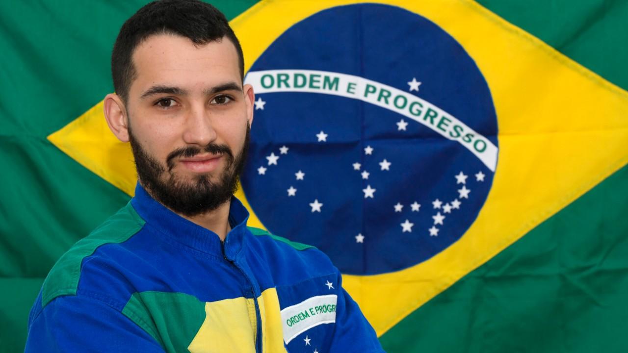 Diferentes habilidades credenciaram Bruno a representar o Brasil em mundial de profissões