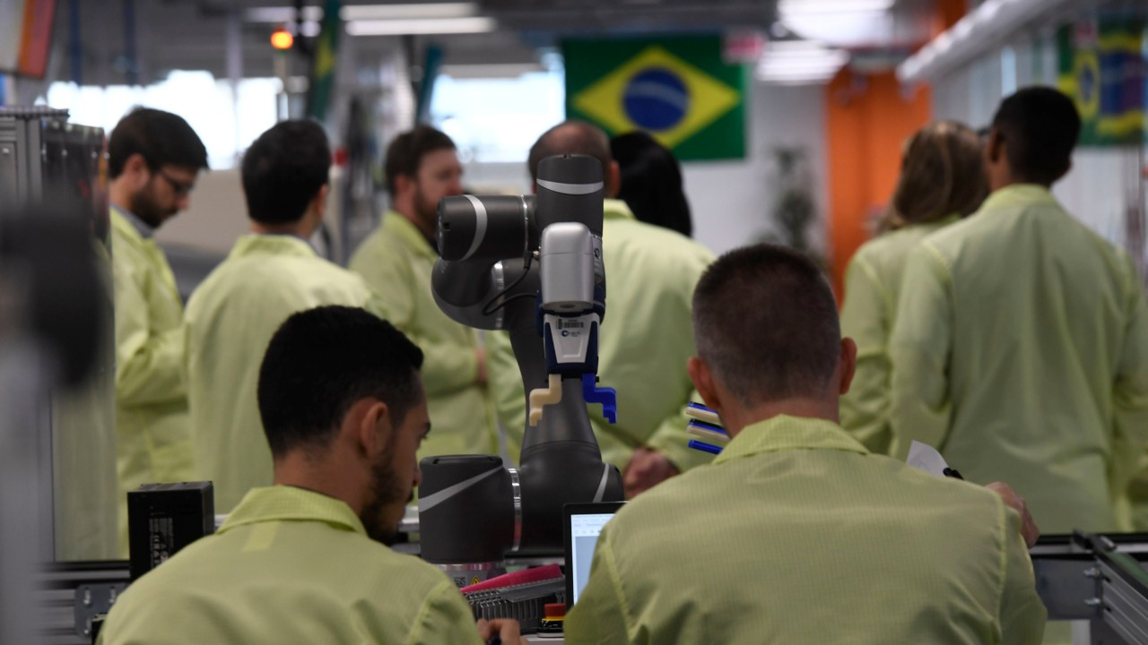 """Brasil pode se transformar na """"roça do mundo"""" se abrir mão da indústria manufatureira"""