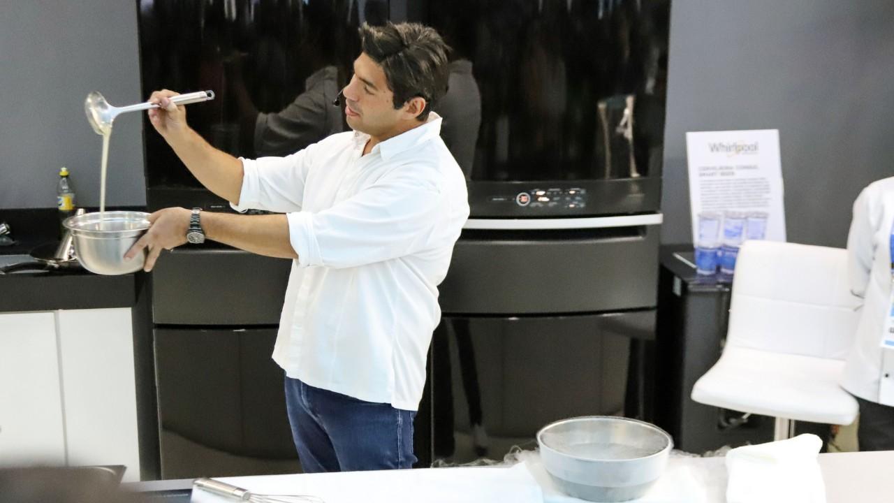 VÍDEO: Chef Felipe Bronze fala sobre os desafios da profissão em gastonomia