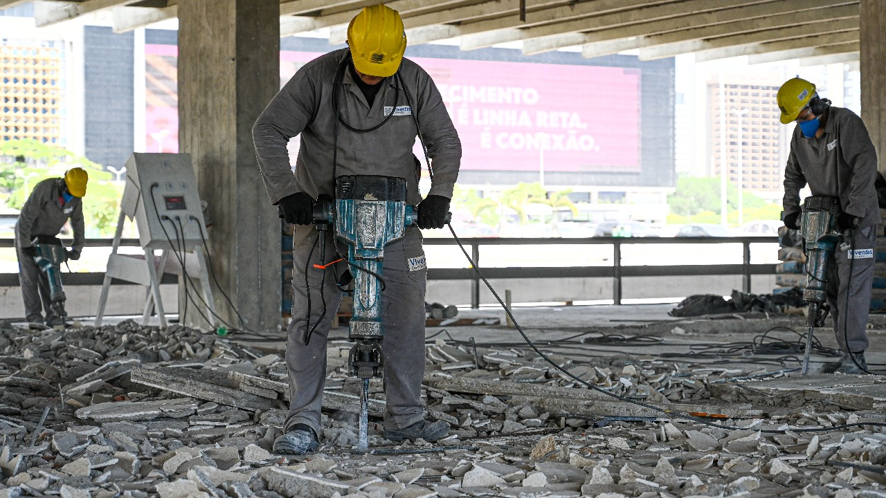 Indústria da construção vai do otimismo ao mesmo patamar de julho de 2020