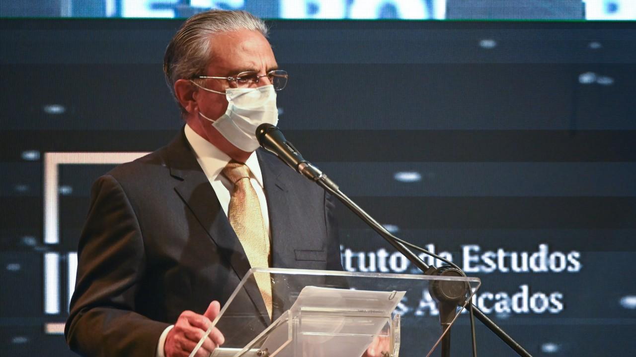 Presidente da CNI defende segurança jurídica e reformas para recuperação econômica