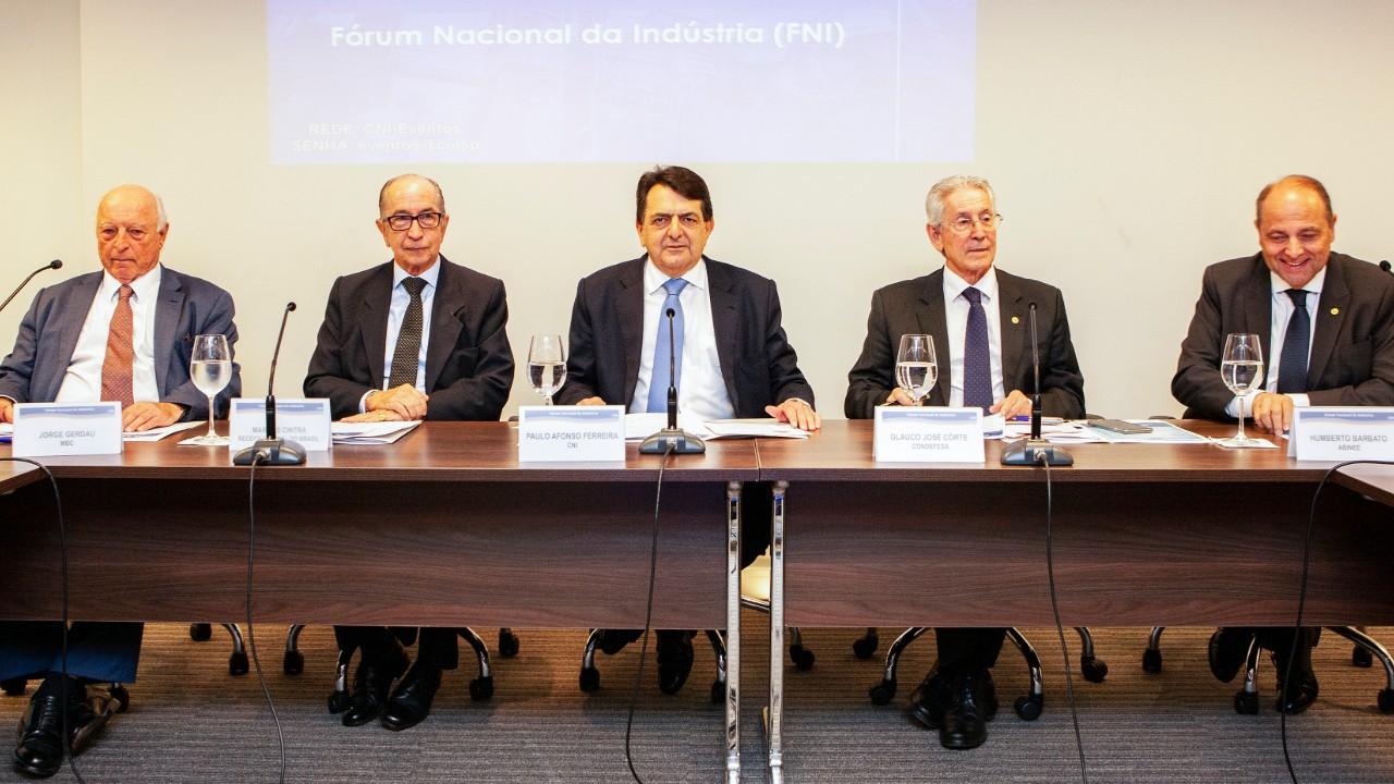 Reforma tributária vai tornar indústria mais competitiva, diz CNI