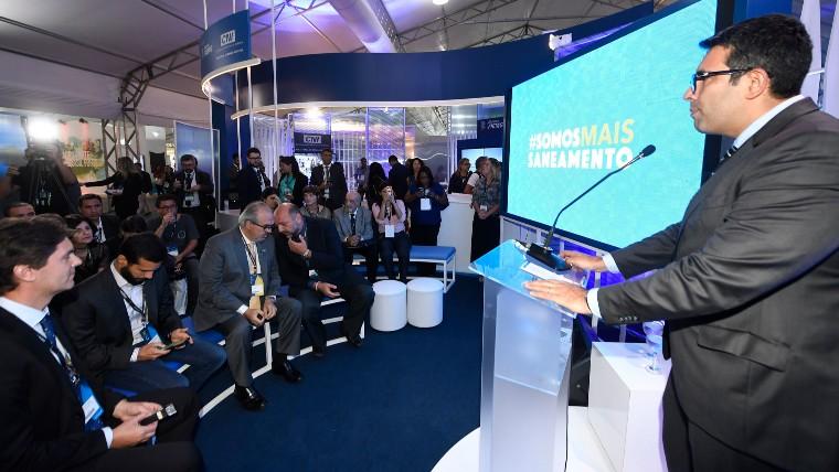 Campanha por um melhor saneamento no Brasil é apresentada no estande da CNI no Fórum Mundial da Água