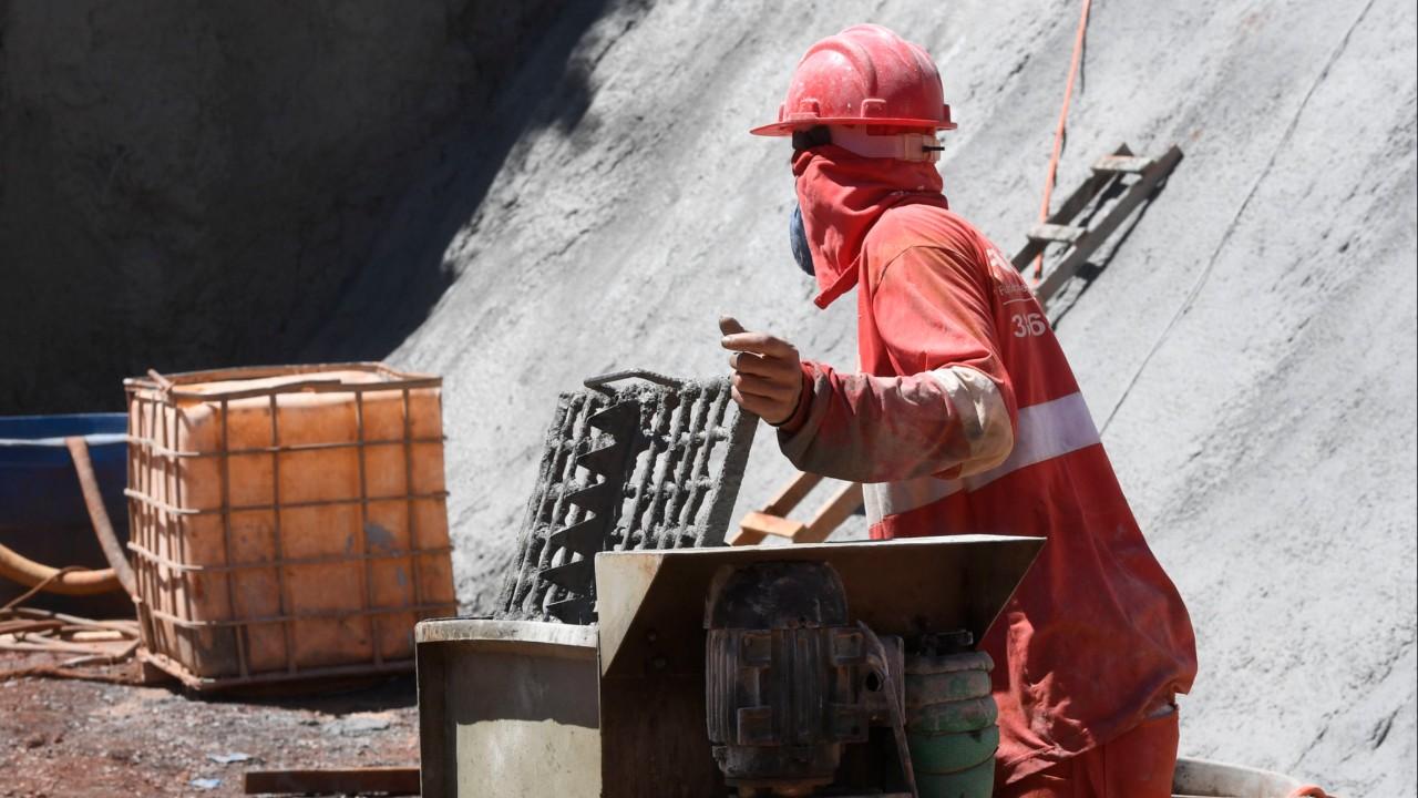 Nível de atividade e utilização da capacidade operacional da construção crescem