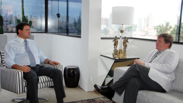 Cônsul defende na Fiems cooperação tecnológica entre MS e EUA