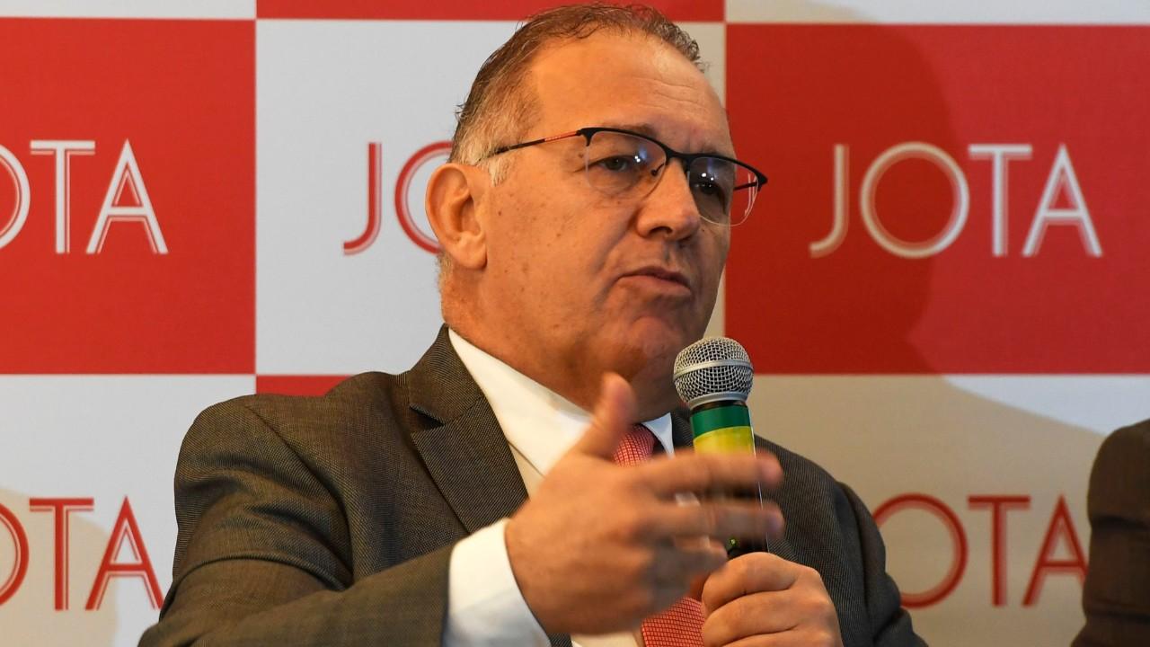 Reforma trabalhista gerou aumento do diálogo nas relações do trabalho, diz Alexandre Furlan