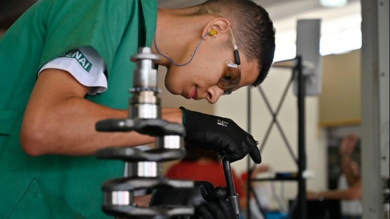 Educação profissional ajuda jovens e adultos a entrar no mercado de trabalho