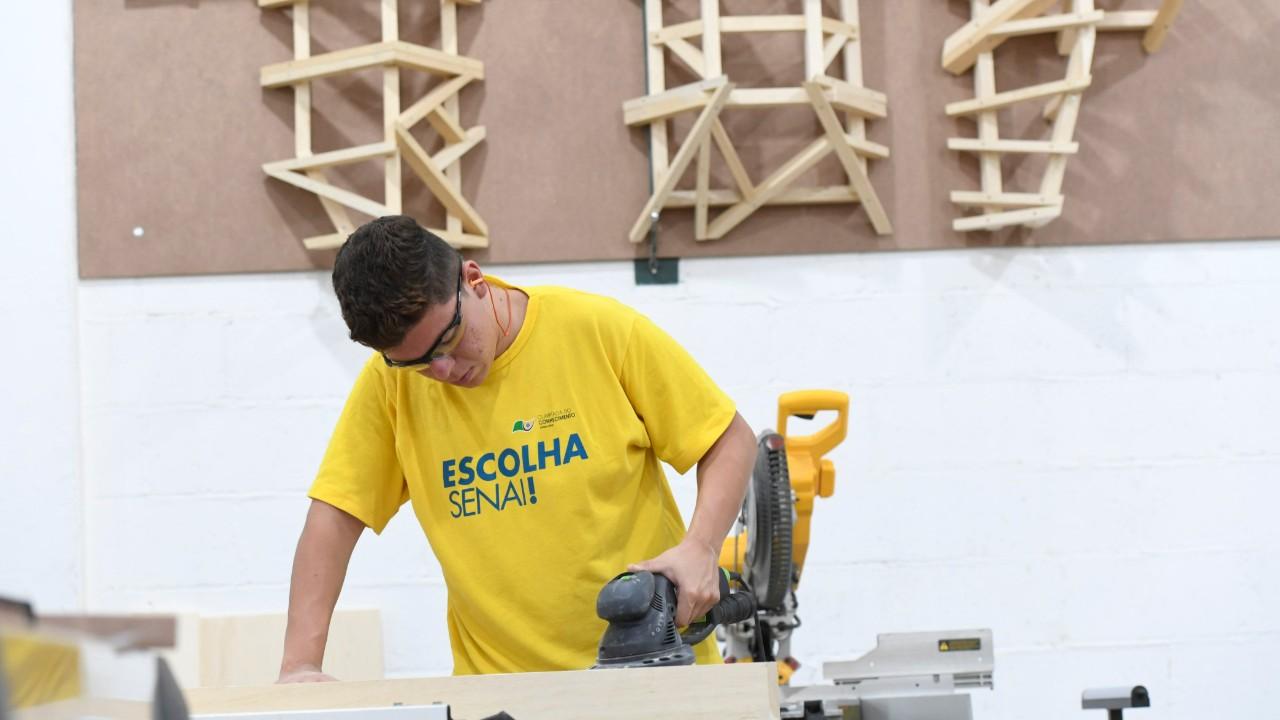 Lucas entrou no SENAI para ser empreendedor e virou competidor da WorldSkills