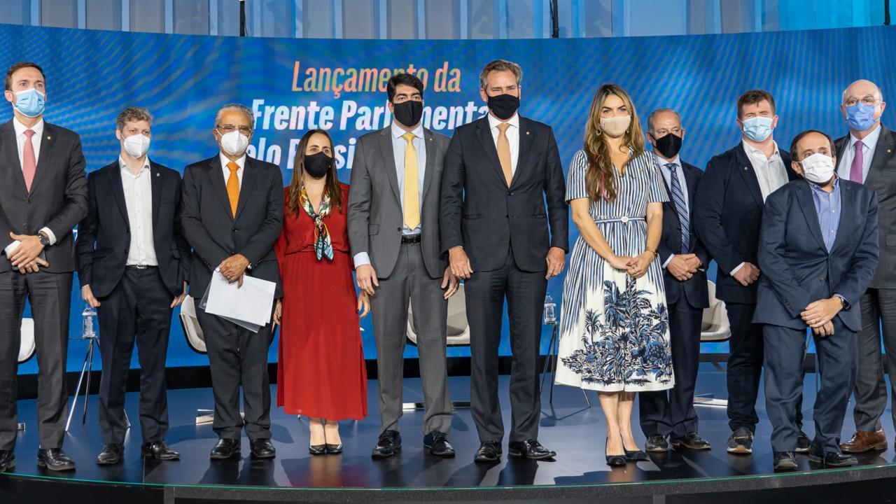 Congresso cria Frente Parlamentar contra o Custo Brasil
