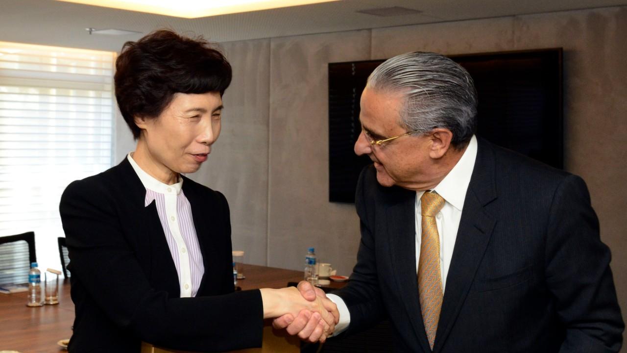 Indústria brasileira quer ampliar comércio e investimentos com a China, diz presidente da CNI