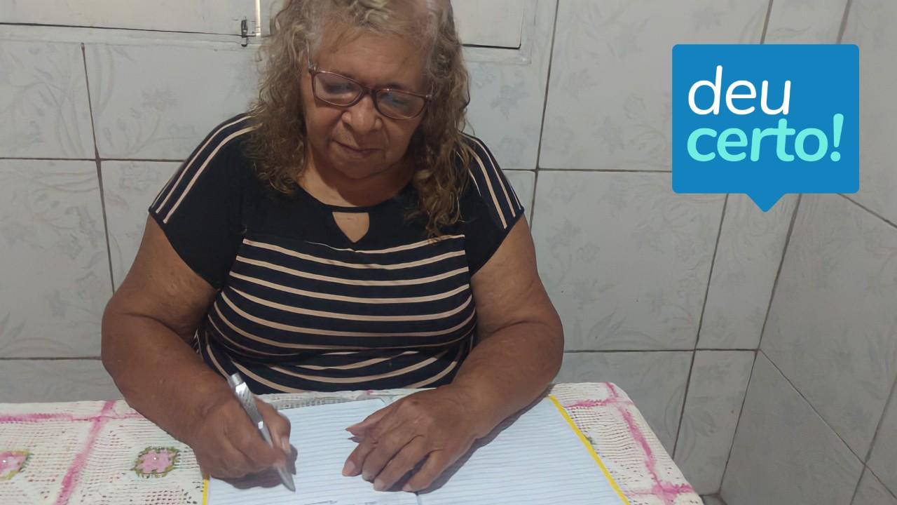 Aluna do SENAI completa curso gratutito e on-line aos 77 anos