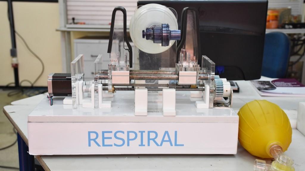 Ex-aluno do SENAI desenvolve protótipo de respirador mecânico