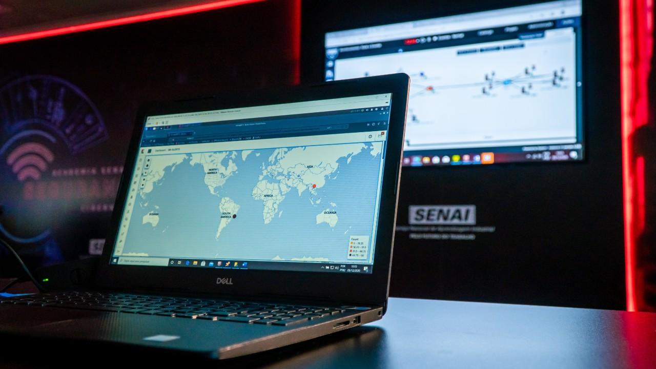 Sob risco de ataques hackers, indústria aumenta demanda por profissionais de cibersegurança