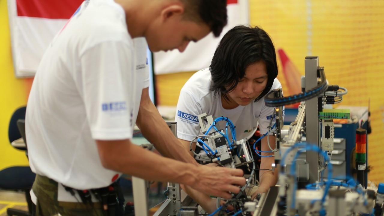 Alunos do SENAI Amazonas participam de seletiva para mundial de profissões