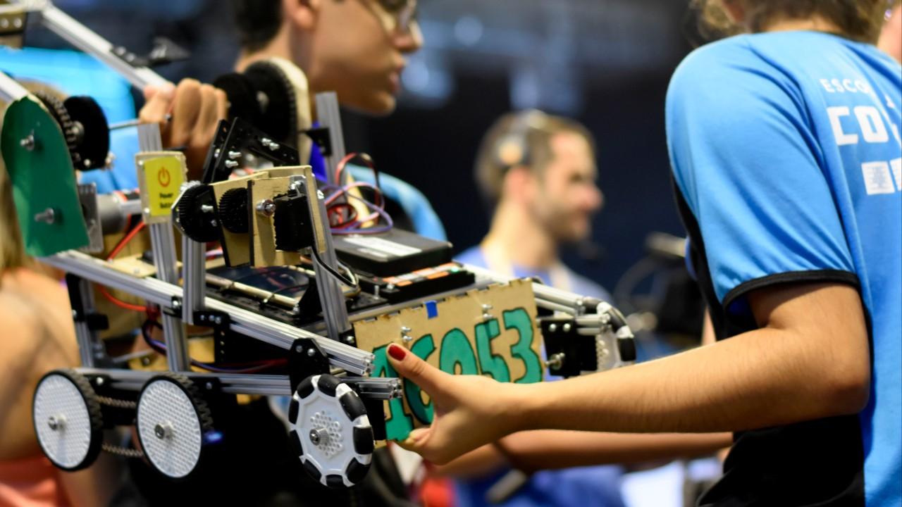 4 diferenças entre os torneios de robótica FLL e FTC