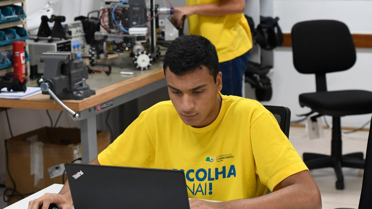 Fazer a diferença é o lema de Cristiano, um dos representantes do Brasil em Robótica Móvel na WorldSkills 2019