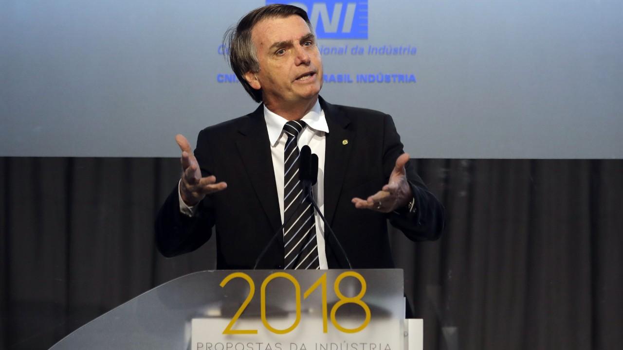 Vamos facilitar a vida de quem quer investir,  empreender e produzir, afirma Bolsonaro