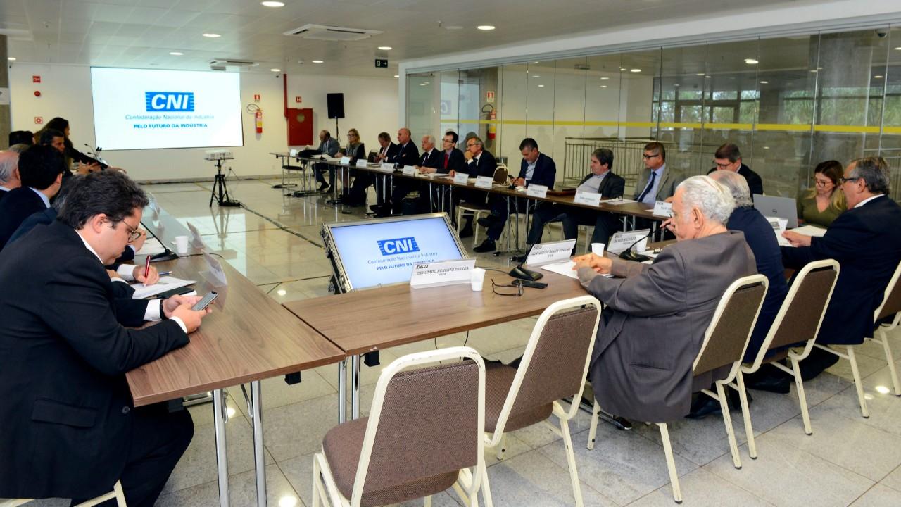 Conselho de Infraestrutura da CNI debate propostas de mudança para geração distribuída de energia