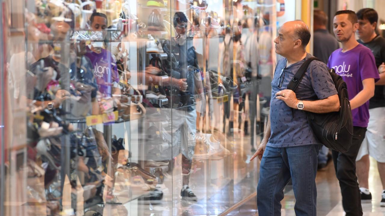 Três em cada quatro consumidores vão manter redução no consumo no pós-pandemia