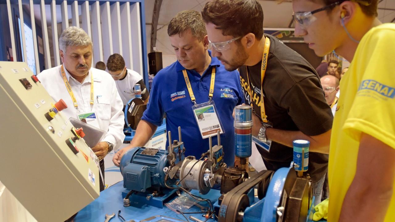 Interação entre empresa e universidade é fundamental na formação de engenheiros