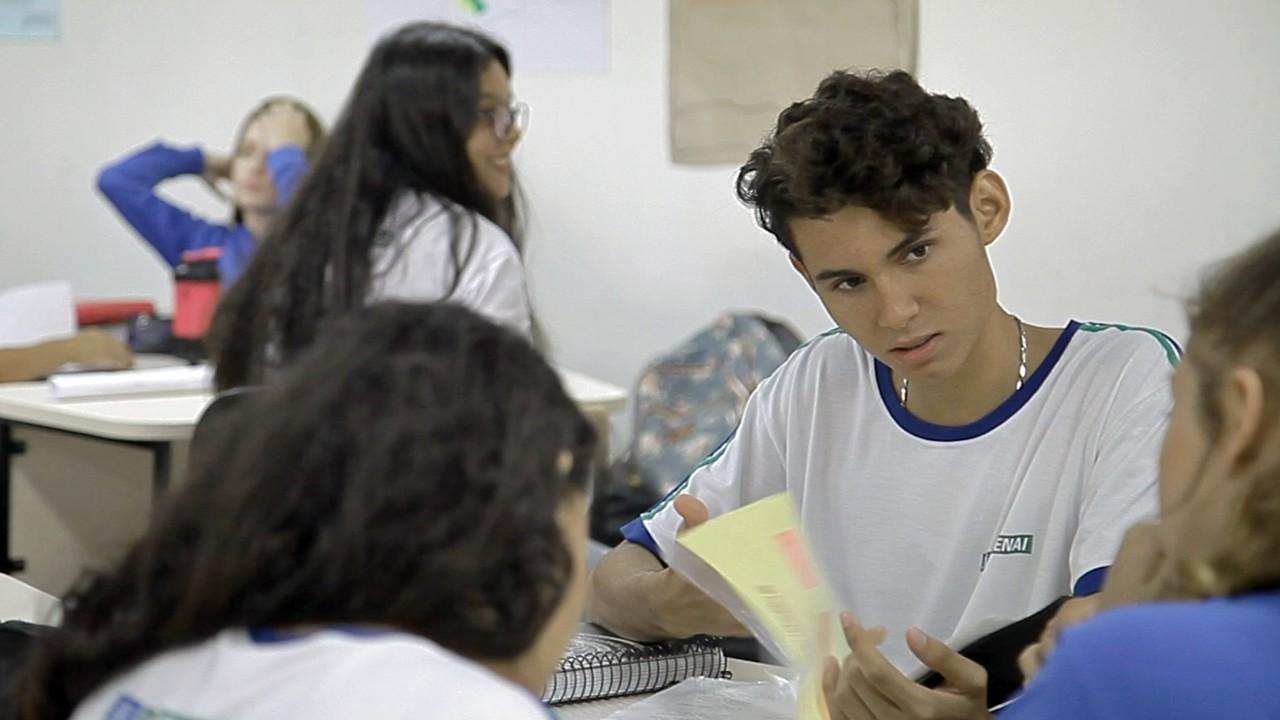 VÍDEO: Novo ensino médio tem aprendizado contextualizado à realidade dos estudantes